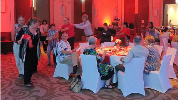 Die Swiss Lanna Society feiert den 1. August im Méridien Hotel Chiang Mai mit Mitgliedern und internationalen Gästen. Schweizer Musik und heimatliche Klänge bei wunderbarem Essen runden den Anlass ab.