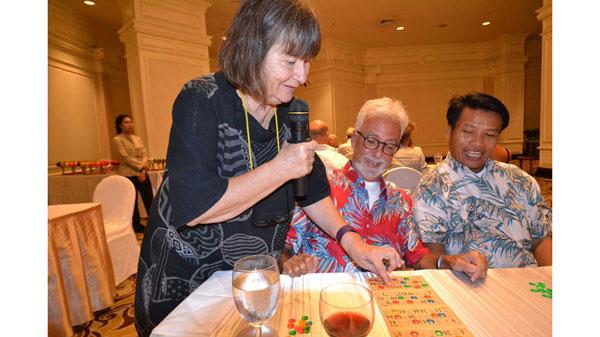 Die Swiss Lanna Society organisiert verschiedene Spielanlässe wie z.B. Mahjong, Minigolf, Golf, Schach und Lotto, die rege benutzt werden.